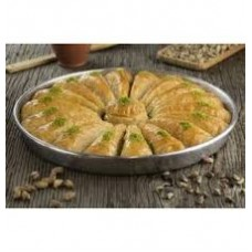 BAKLAVA UCGEN WITH PISTACHIO 1PC